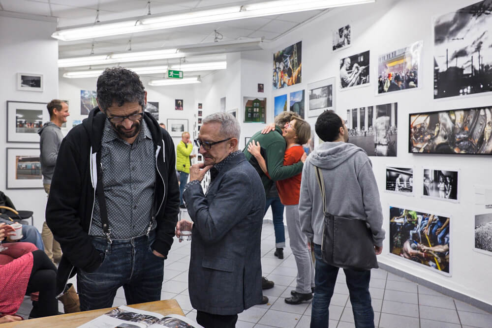Sela5/2 – FRAMES. AND THE SPACE BETWEEN. – Vernissage